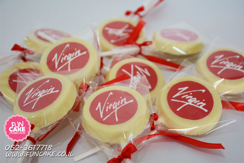סוכריות-שוקולד ממותגות לחברת תעופה בינלאומית